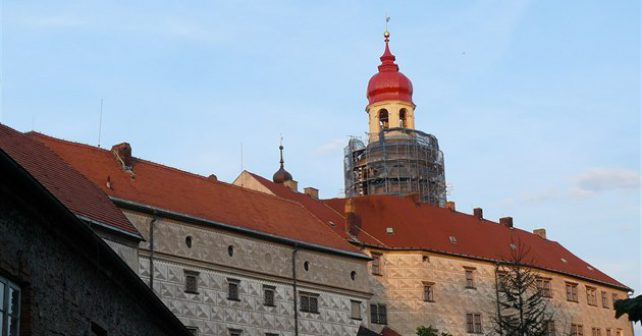Návštěvníci náchodského zámku se mohou těšit na nově zrekonstruovanou věž