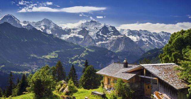 Unavené cestovatele v Julských Alpách potěší netradiční hotýlek