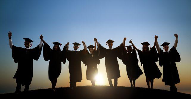 Studentů na vysokých školách je více