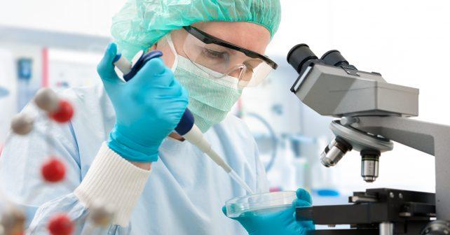 Analýza krve se díky novému přístroji radikálně zrychlí. Výsledky získají lékaři již za 30 sekund