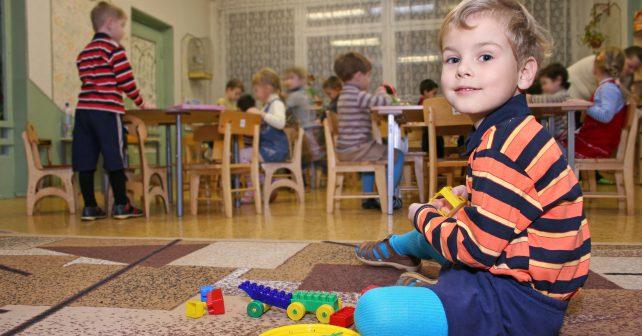 Dvě příjemná legislativní překvapení: daňová sleva na školku a vyšší sleva na druhé a další dítě