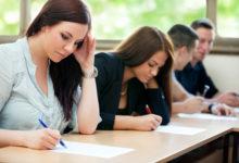Studenti středních škol v Karlovarském kraji mohou dosáhnout na stipendia