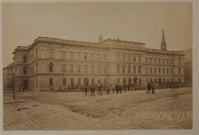 Měděná schránka v budově Ústavního soudu obsahovala historický poklad