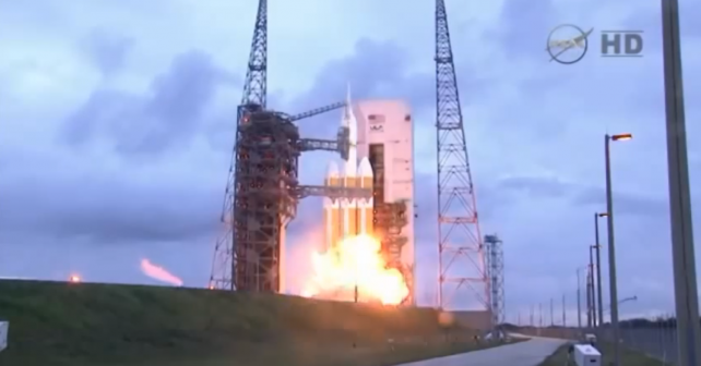 První úspěšný krok k cestě na Mars. Orion zvládl svůj let
