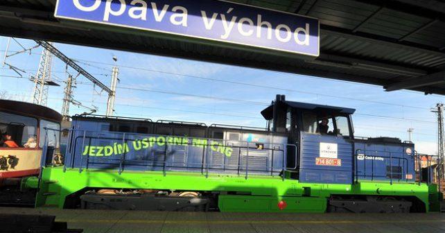 Šetrnější k životnímu prostředí, úspornější a první ve střední Evropě. To je nová lokomotiva na CNG vyrážející z Opavy