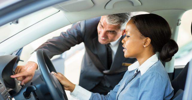 V loňském roce kupovali lidé v USA nová auta jako na běžícím pásu