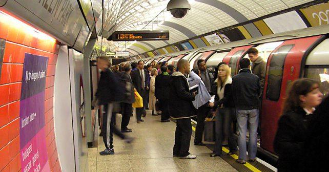 Londýn spouští nonstop metro