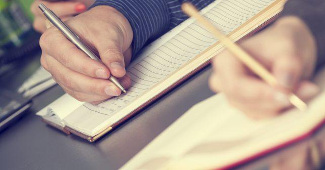 Kriticky přemýšlet i psát nově studenty naučí ve Velké Británii