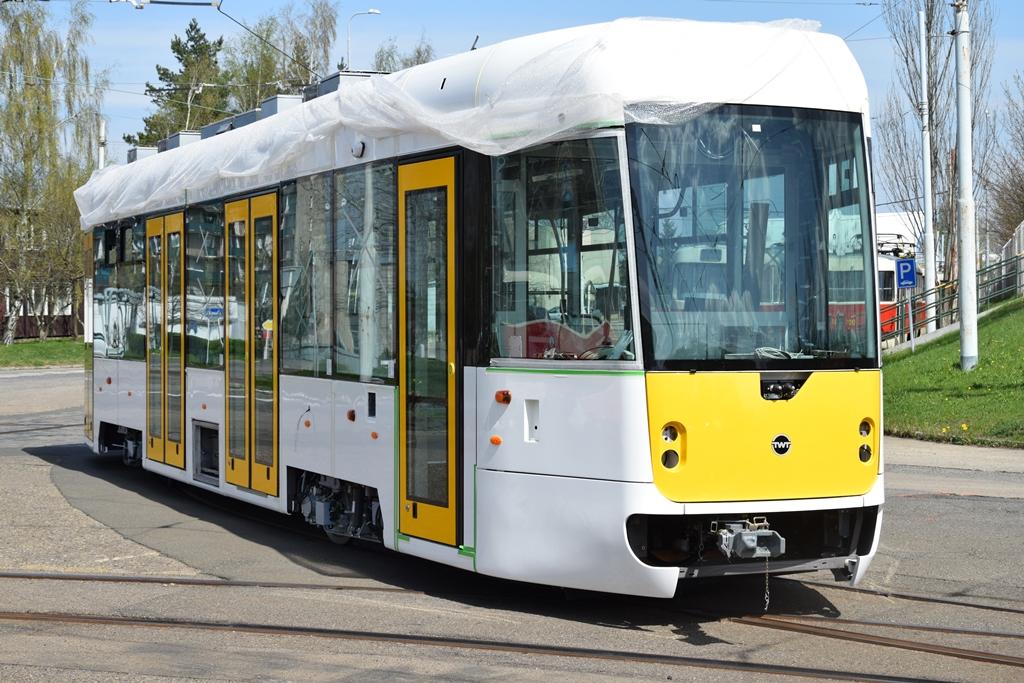 """Unikátní tramvaj """"Evička"""" míří do pražských ulic"""