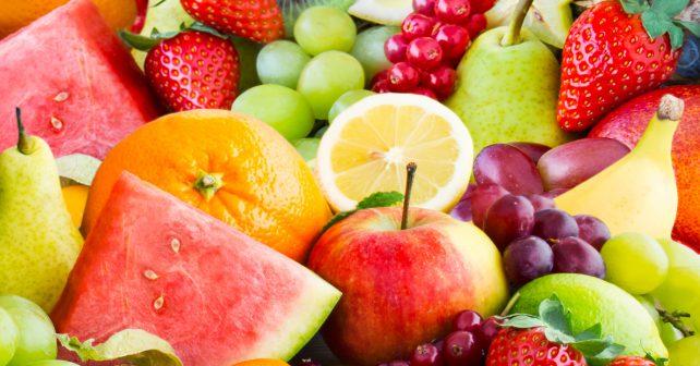 Švédští studenti vymysleli, jak pomoci hladovějícím lidem. Předělávají ovoce na prášek