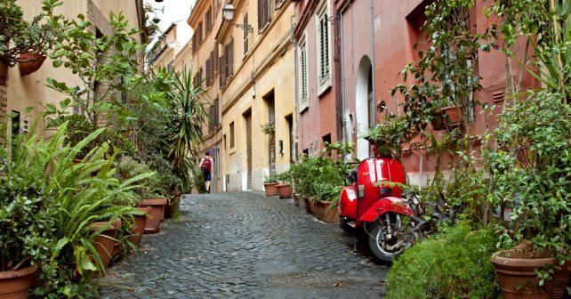 Tweet italského herce inspiroval masy lidí k úklidu Říma
