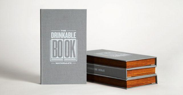 Jeden list knihy dokáže vyčistit až sto litrů znečištěné vody