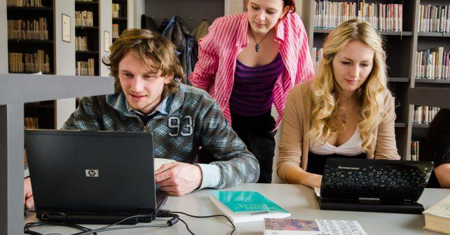 Cizinci se učí česky na novém výukovém portálu