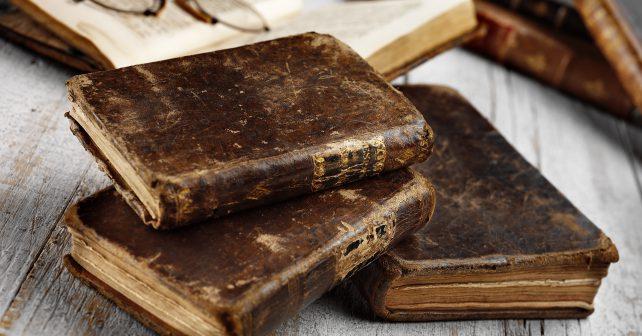 Německý profesor odkázal liberecké knihovně stovky knih