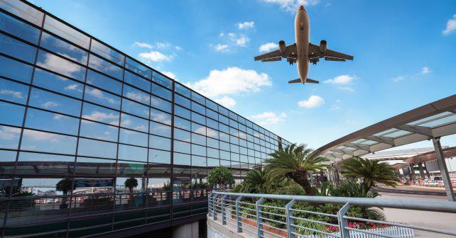 V Indii vytvořili ekologické letiště se solárními panely