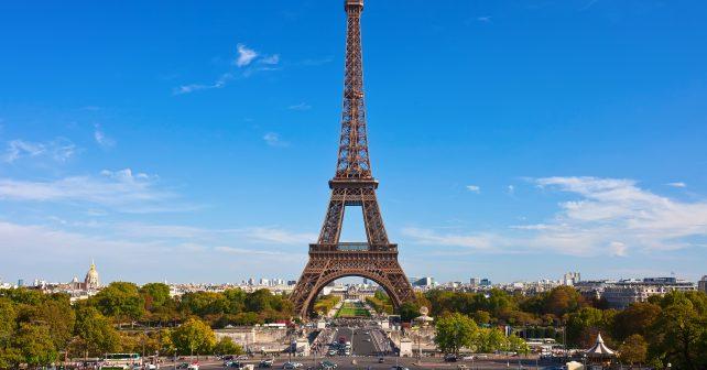 Tisíce potřebných dětí získaly zdarma letní výlet do Paříže