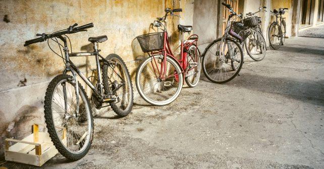 V novém komunitním centru nabízí kávu i opravu kola
