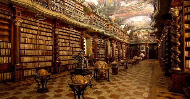Podle čtenářů amerického webu je pražské Klementinum nejkrásnější knihovnou na světě