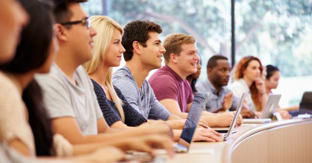 Jak si vylepšit známky ve škole? Strategickým výběrem studijních materiálů