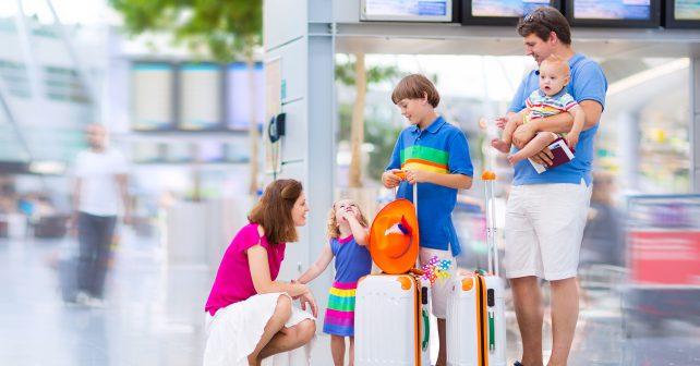 Rodiny s dětmi cestují stále častěji. Posilují tak rodinné vazby
