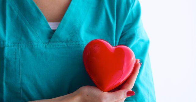 Veřejně přístupné defibrilátory zachránily přes stovku lidí