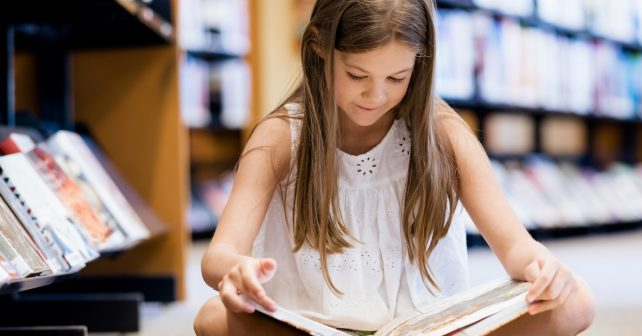 Skotsko podpoří čtení dětí. Každý novorozenec dostane zdarma čtenářský průkaz