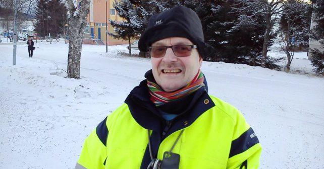 Norské městečko postaví sochu na počest oblíbeného místního zametače