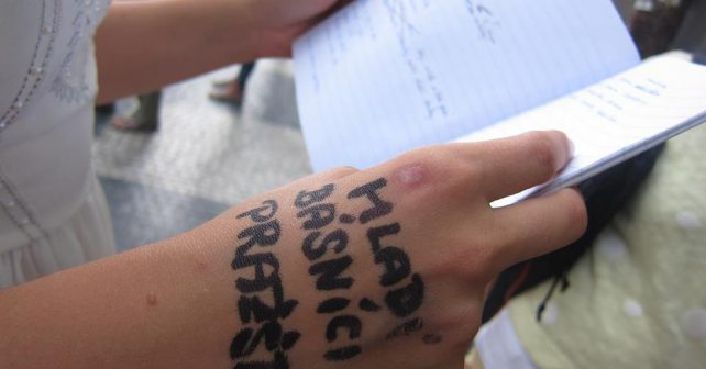 To si piš! Iniciativa podporuje mladé lidi v tvorbě poezie