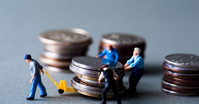 Průměrná mzda v Česku se zvýšila o tisíc korun