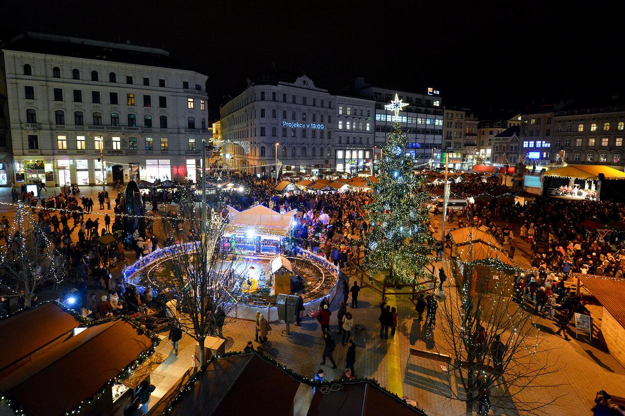 Brno má vánoční stromek z lesa s udržitelným hospodařením