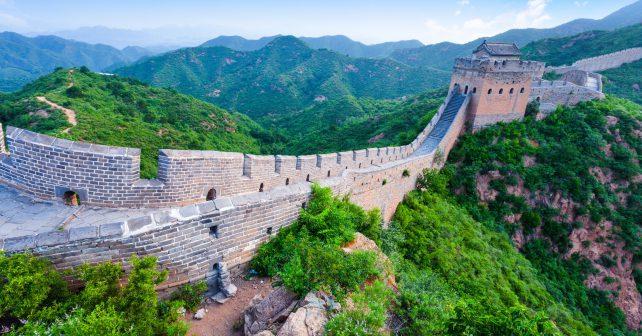 Řešení smogu v Číně: Kanaďani dováží čerstvý vzduch v lahvích