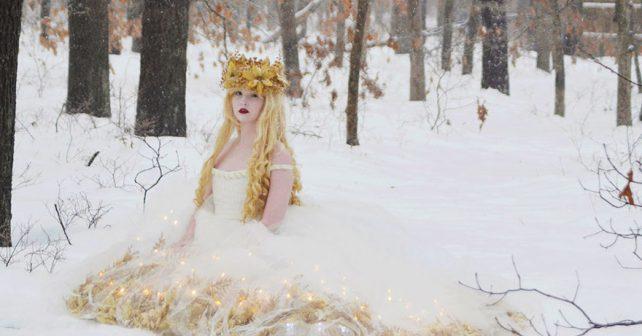 Osmnáctiletá dívka šije úchvatné kostýmy jako z pohádek