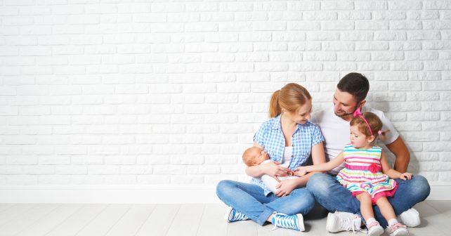 Vláda zrychlí vyplácení rodičovské. Měsíčně půjde získat až 33 tisíc korun