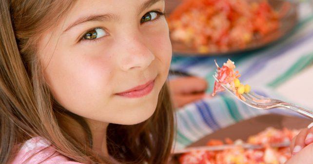 Děti ohrožené chudobou dostanou v Jihomoravském kraji obědy zdarma