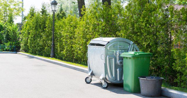 Nová vyhláška řeší problém brněnských ulic posetých popelnicemi