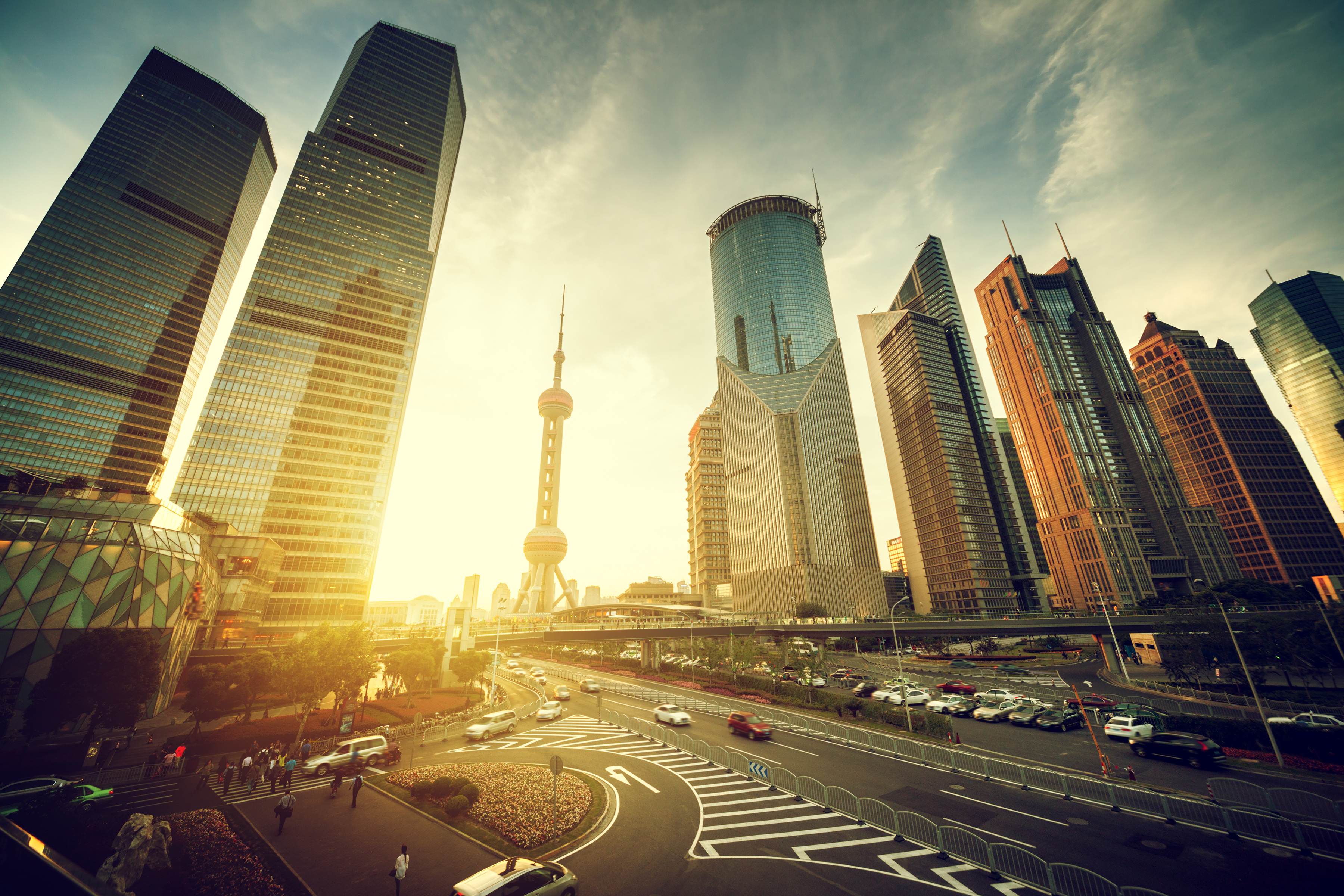 Čína plánuje výrobu elektromobilů za účelem snížení znečištění ovzduší
