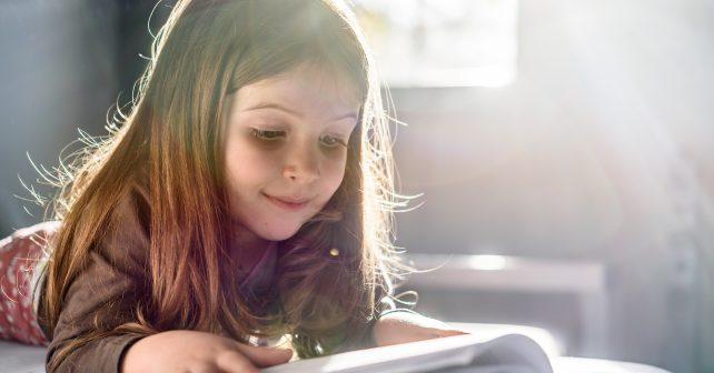 Děti z dětských domovů získaly díky projektu své vysněné knihy