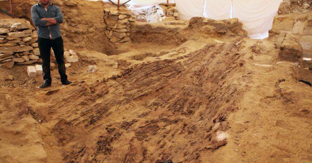 Čeští vědci objevili v Egyptě člun starý 4500 let