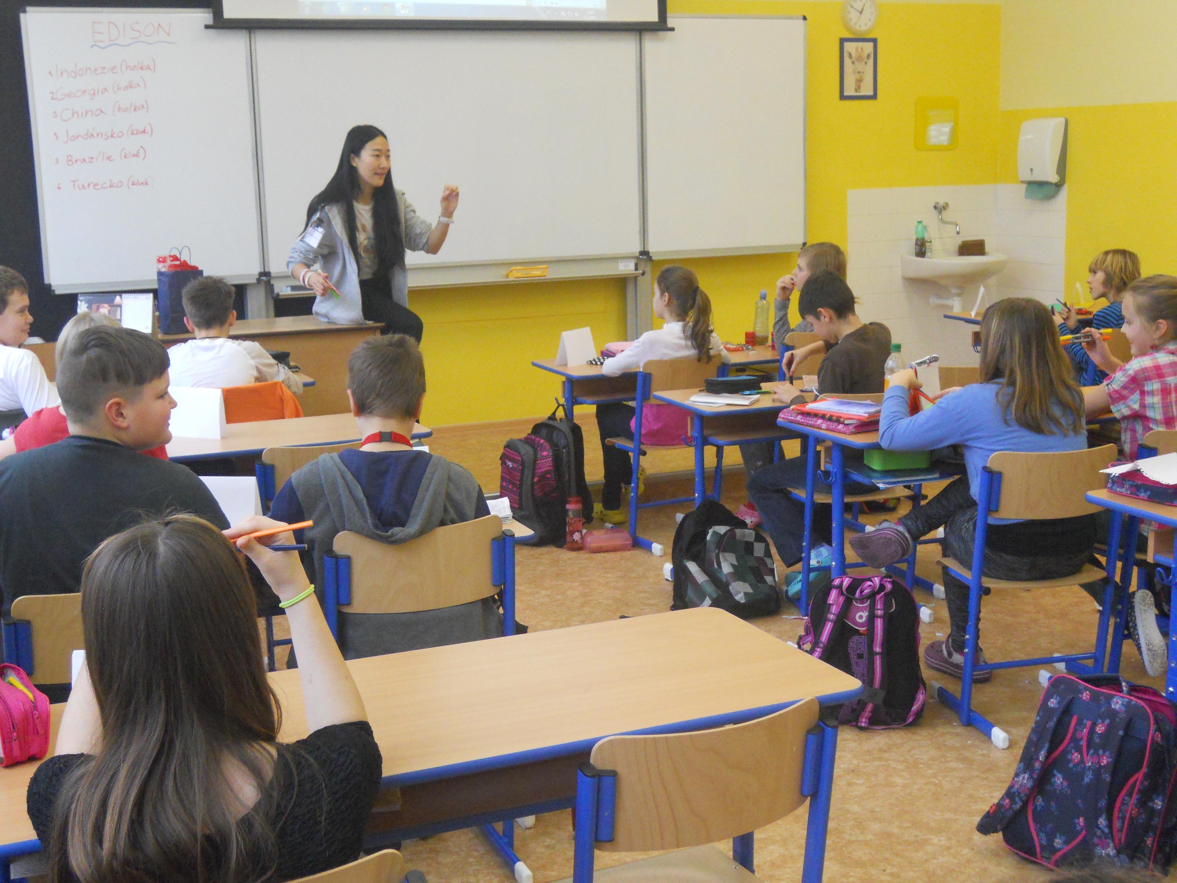 Učitele v jihomoravských školách nahradili na týden zahraniční studenti