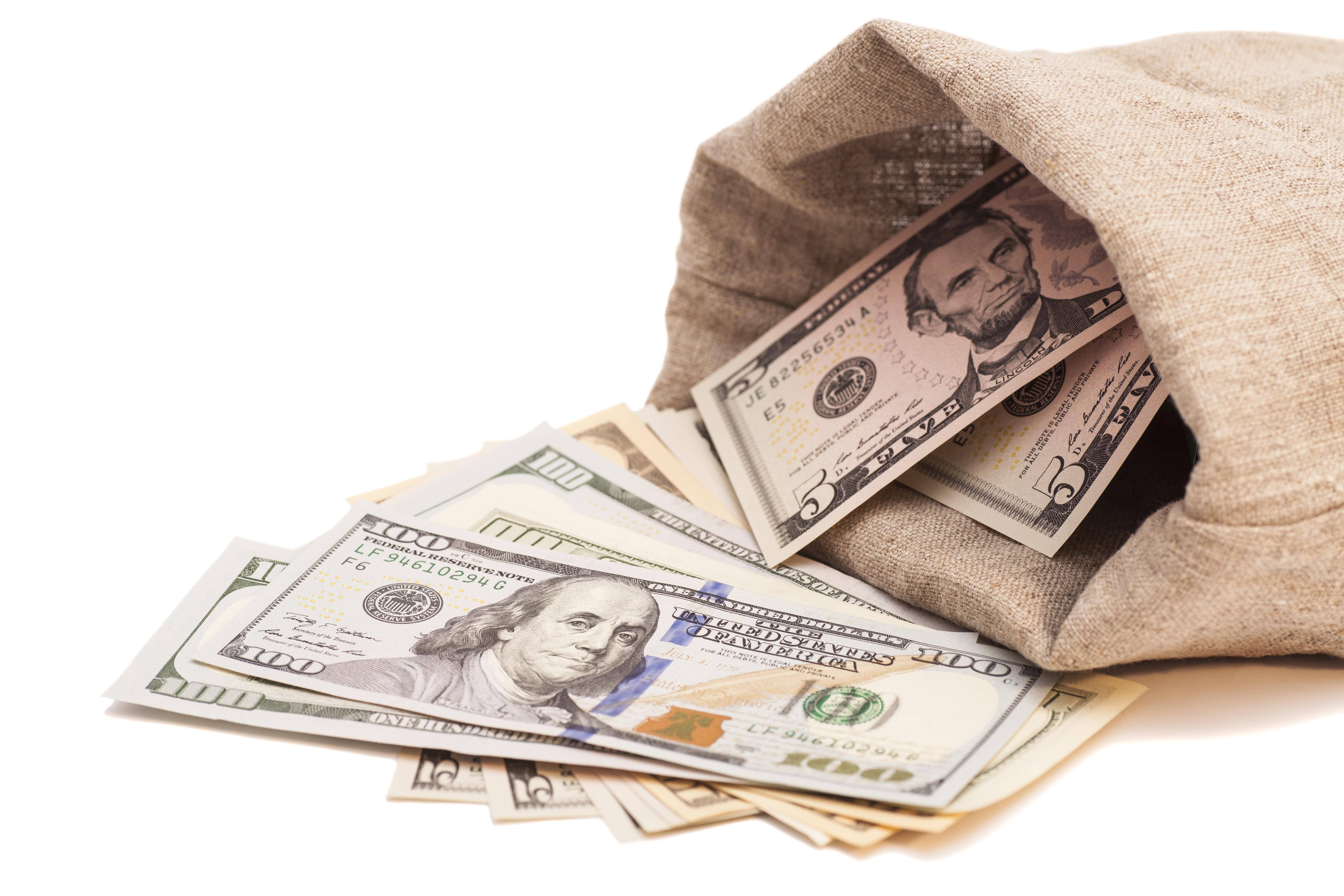 Američtí milionáři chtějí zvýšit své daně, aby pomohli chudým