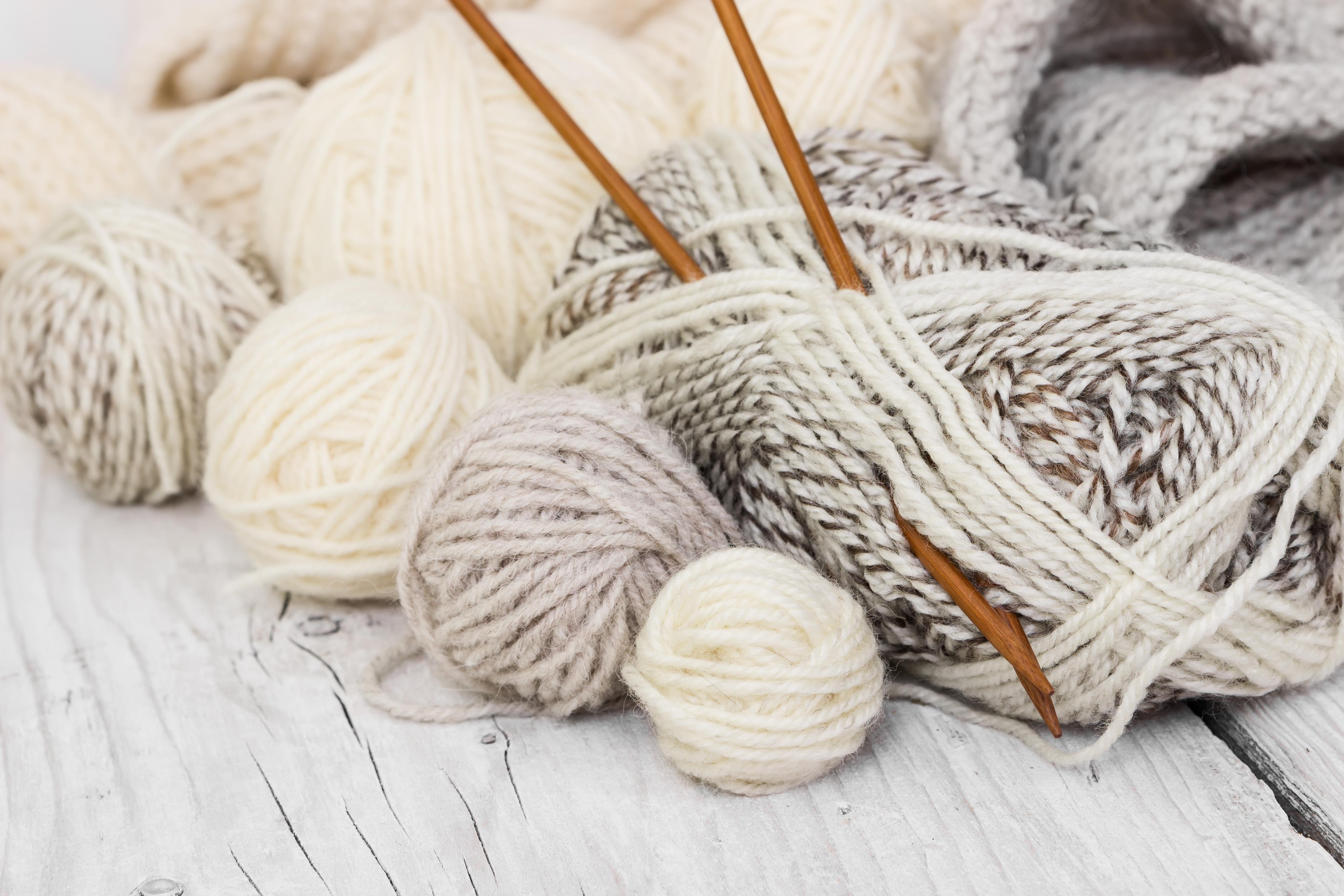 Kreativní záliby jako pletení a pečení prospívají duševnímu zdraví