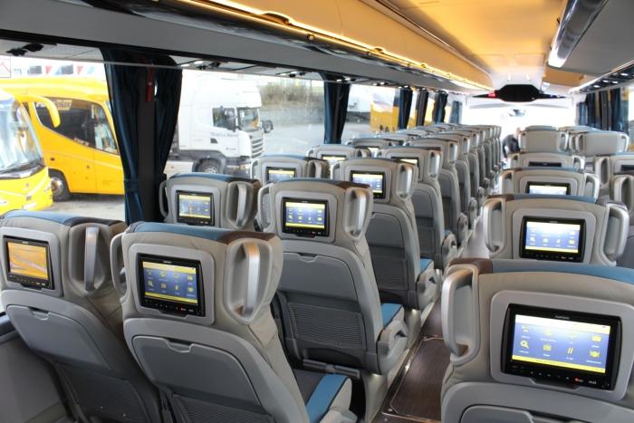 Žluté autobusy chystají od května novinky. Budou jezdit do Trutnova i Lyonu