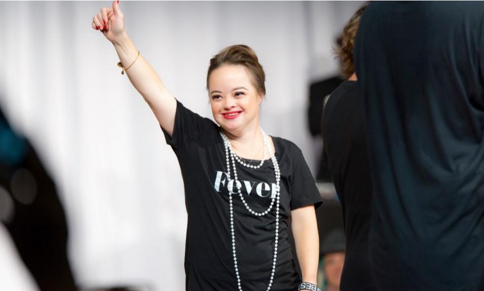 Modelka s Downovým syndromem se poprvé stala tváří kosmetické firmy