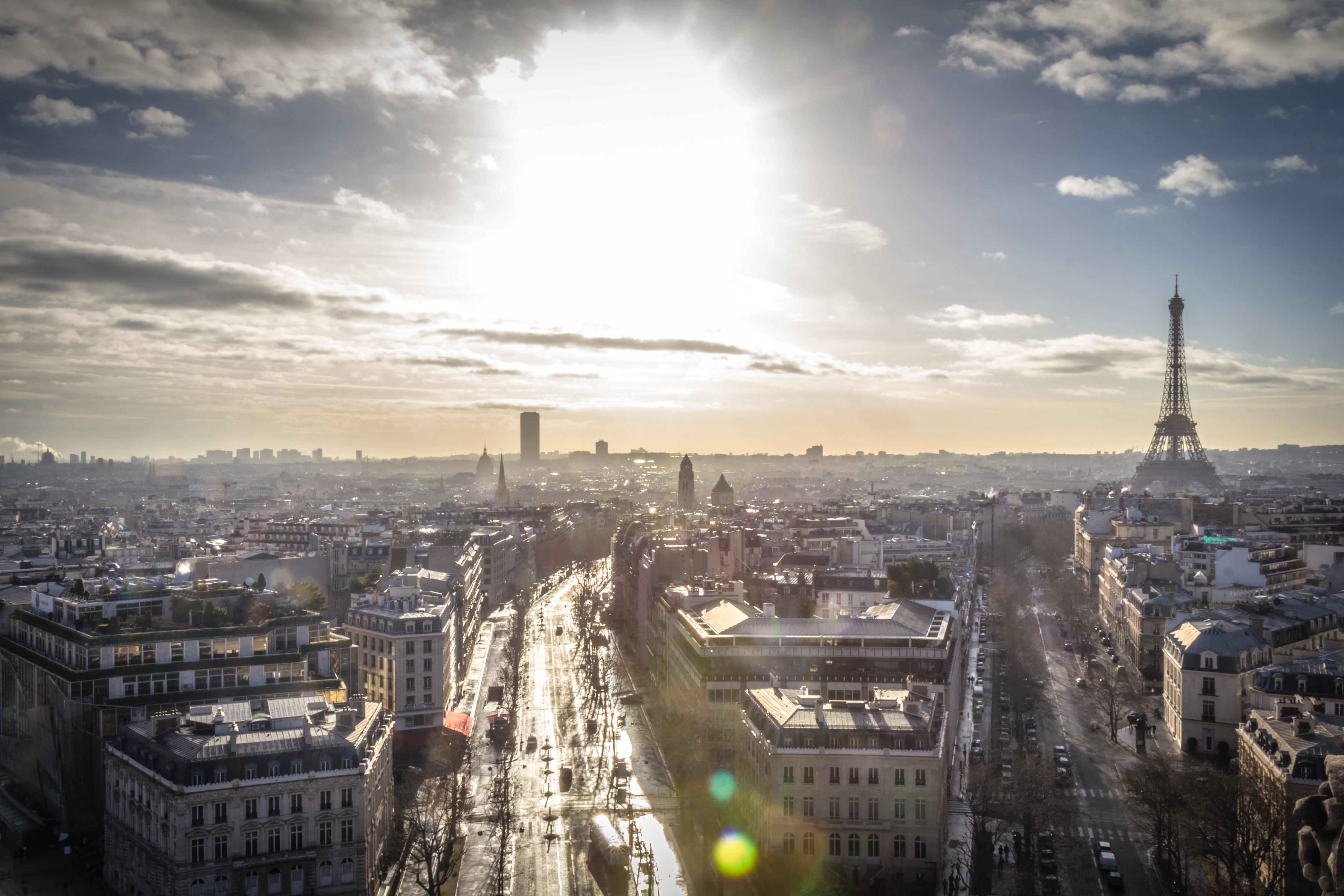 Pařížský bulvár Champs-Elysées bude jednou měsíčně patřit jen chodcům