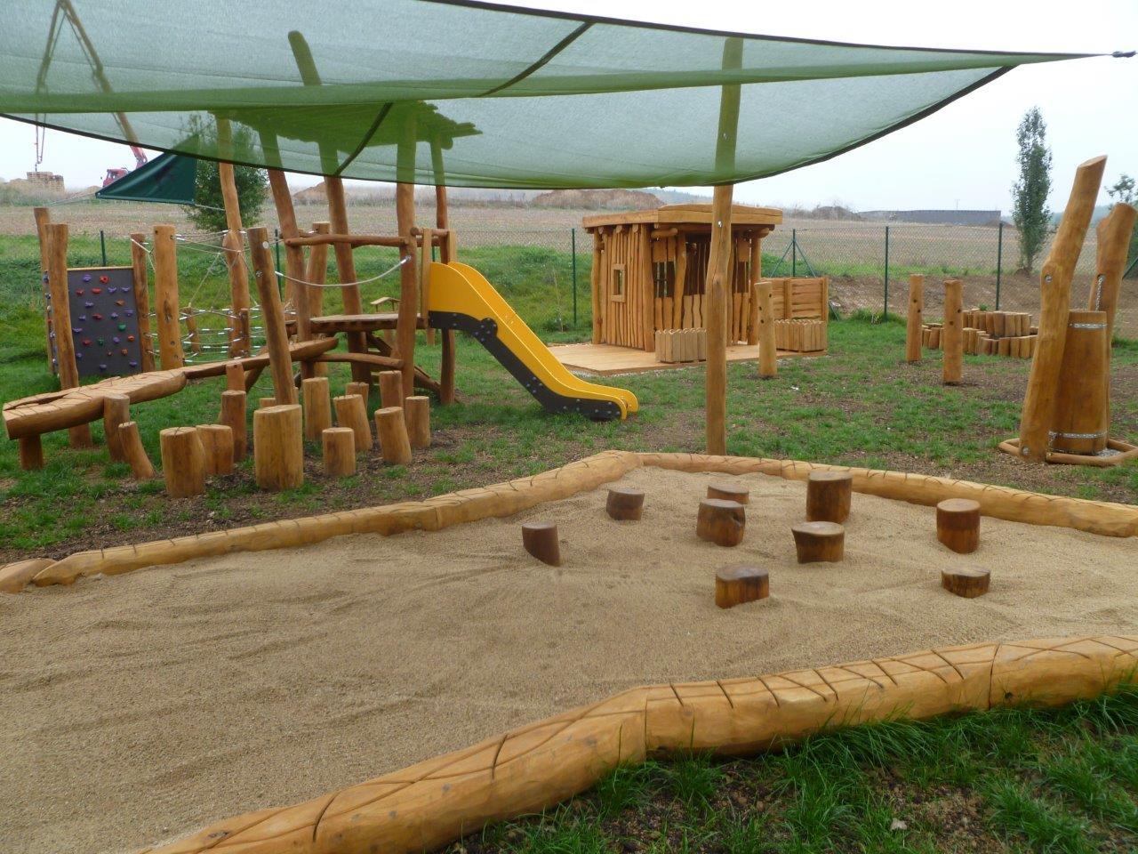Celorepublikovou soutěž dřevěných staveb vyhrálo hřiště pro děti v Rosicích
