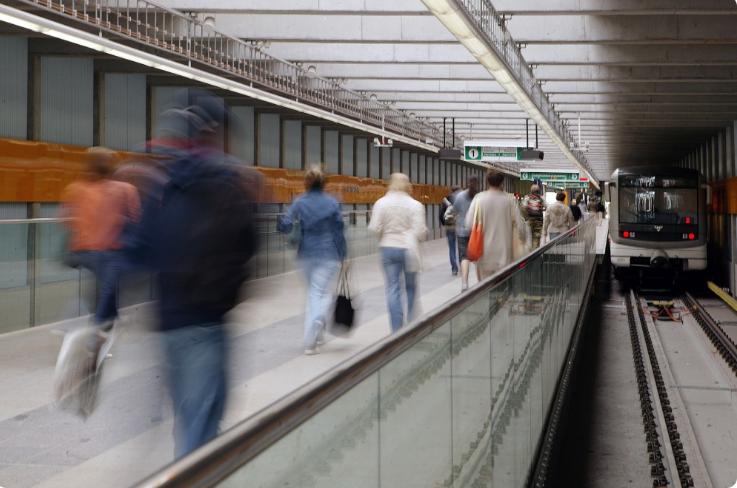 Cestující pražského metra se rozpohybovali v rytmech tance