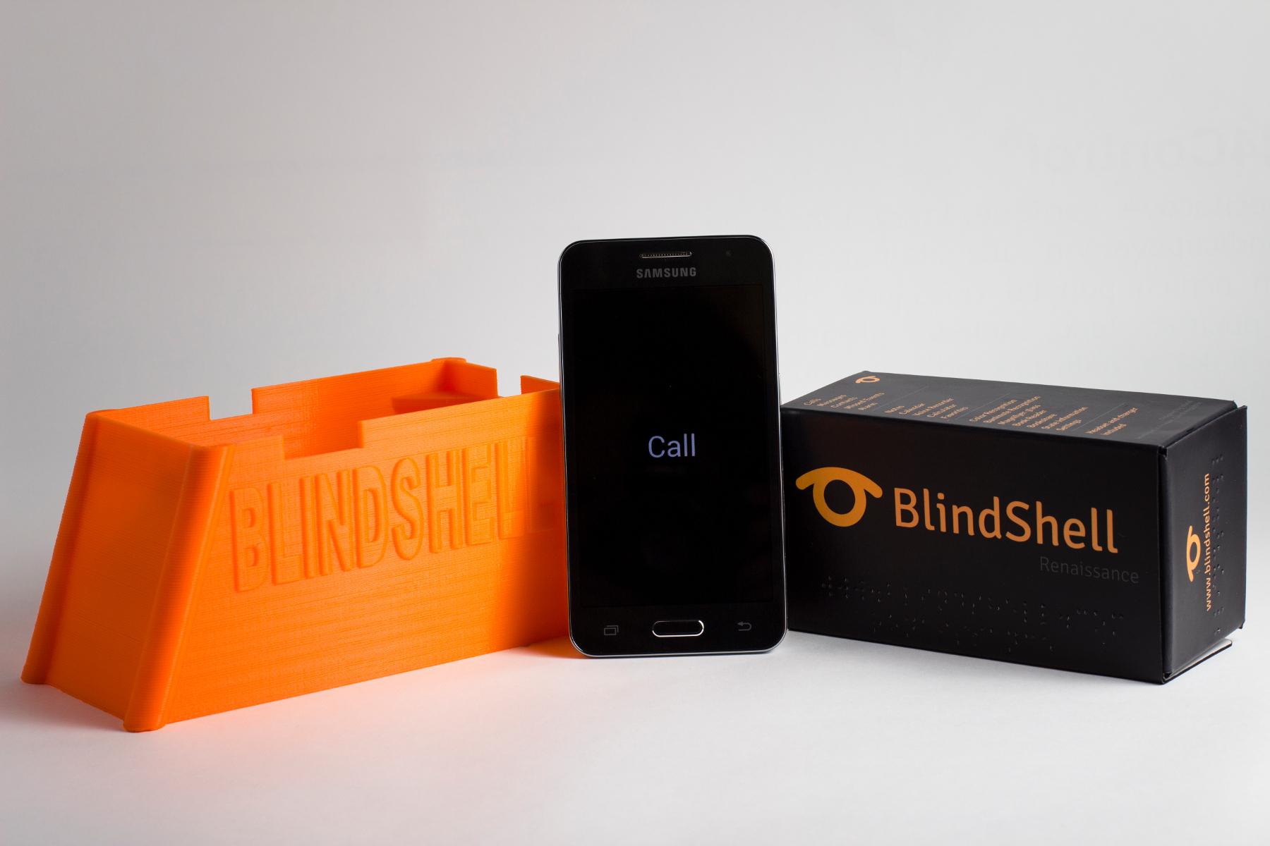 Aplikace umožňuje používání dotykového telefonu i nevidomým