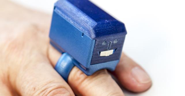 Na ČVUT vyvinuli šperky, které umí měřit životní funkce
