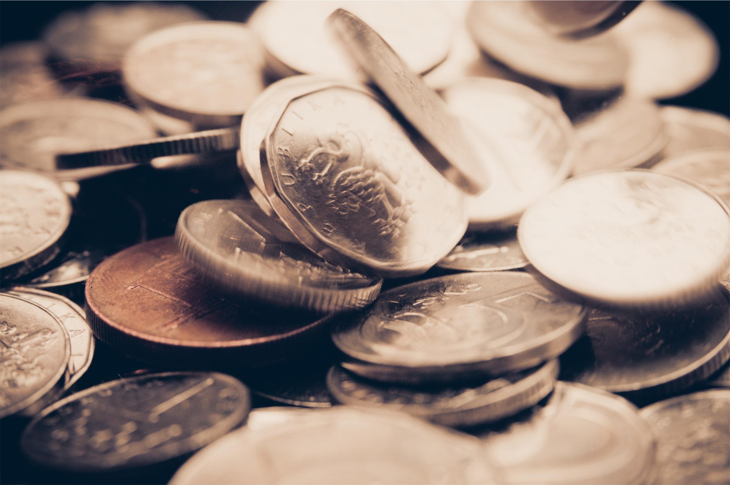 Průměrná mzda v Česku činí 26 480 korun. Vzrostla o 3,9 procent