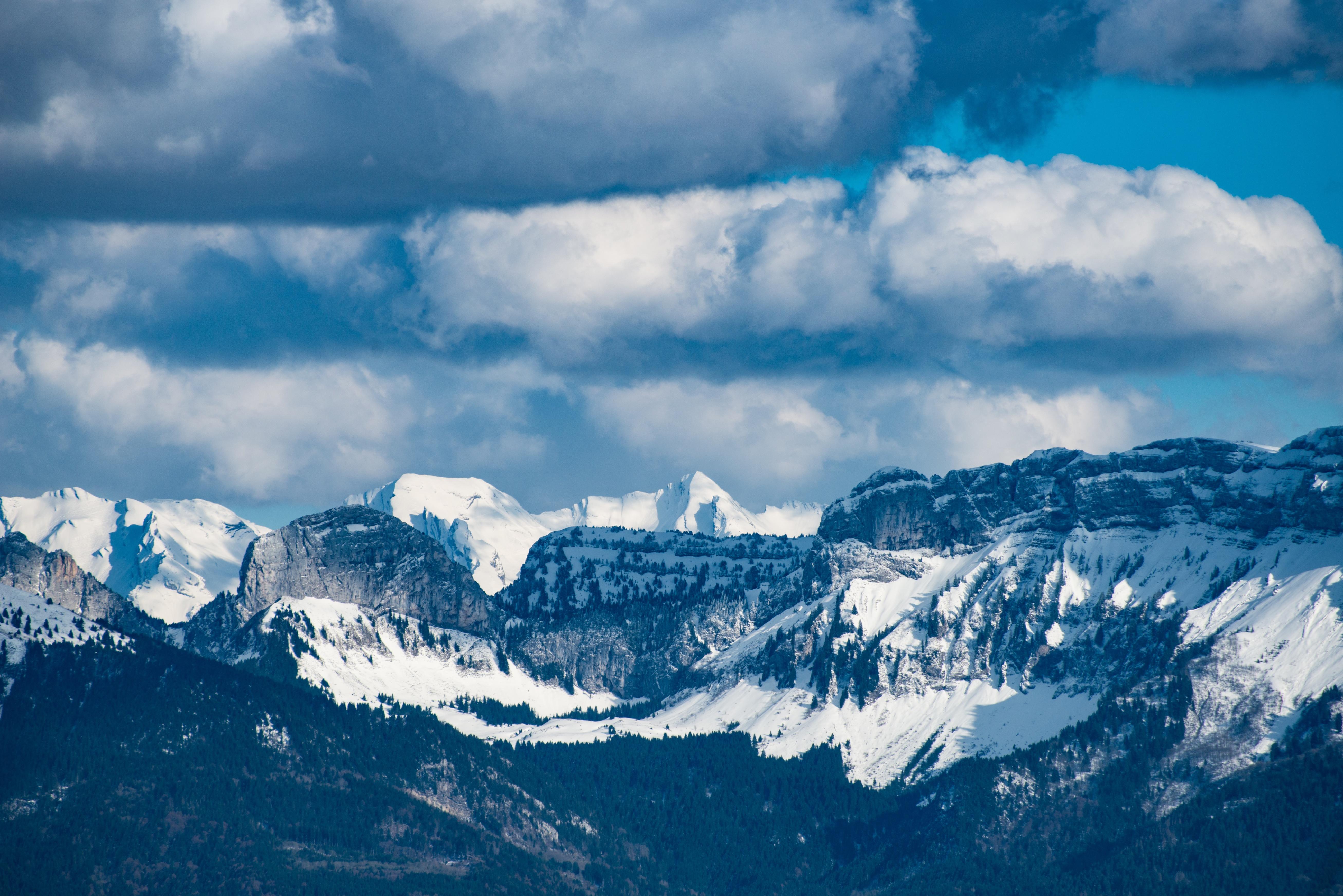 Dvojice vozíčkářů se chystá s pomocí horolezců zdolat Mont Blanc